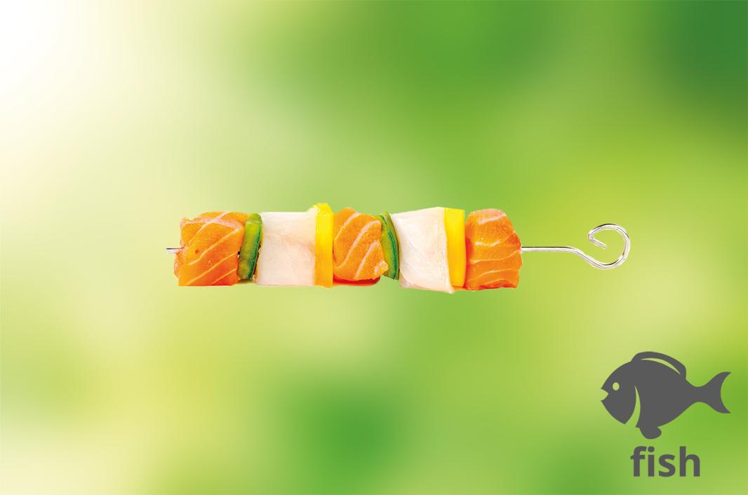 Spieß mit Fisch und Paprika
